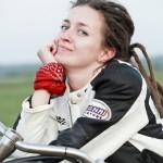 заказать фотосессию на мотоцикле в москве для девушки